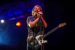 Pearl Jam announces release of 'Gigaton' album and tour